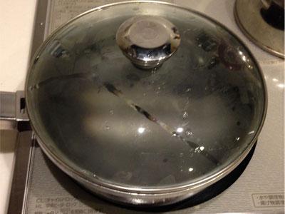 沖ギスをフライパンで焼いてみました__頭が取ってあるので火の通り具合が目で確認できるのでカンタンです。